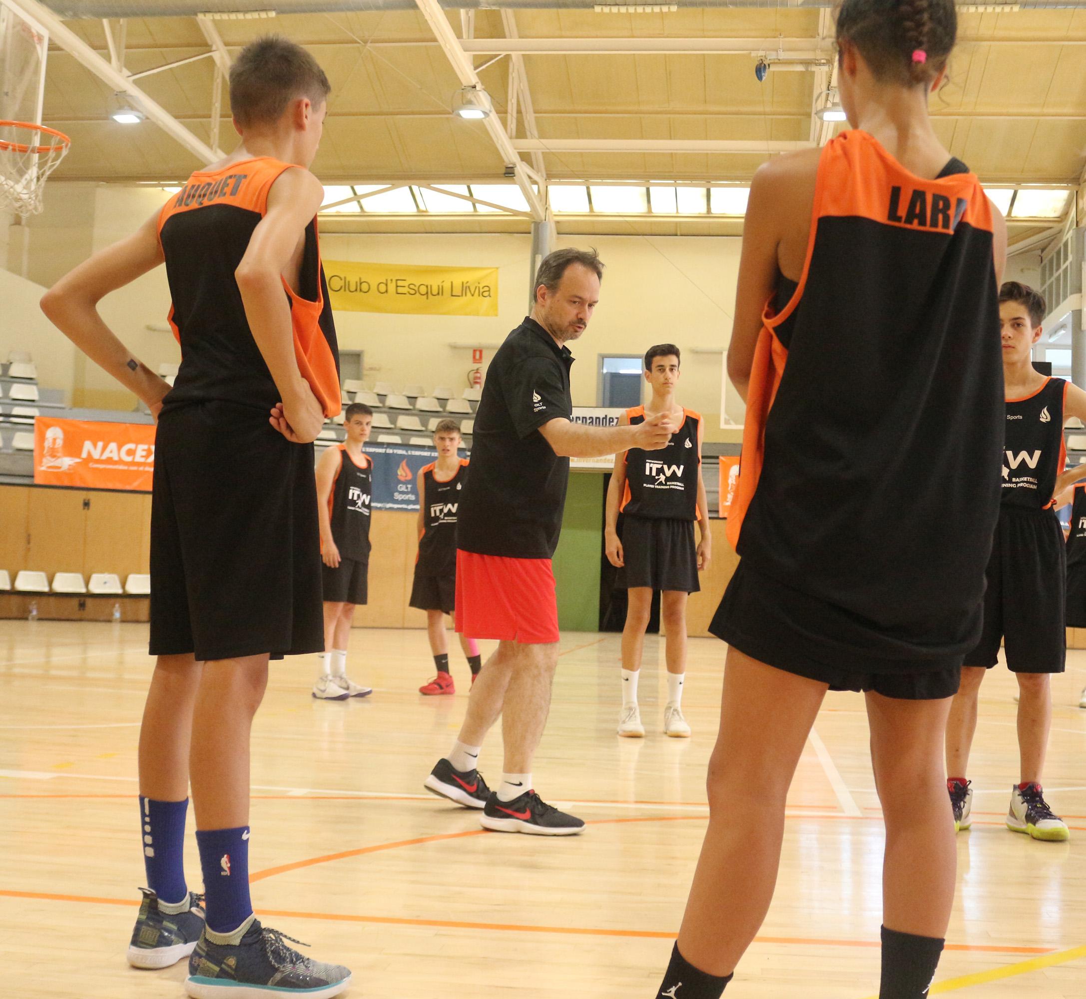 entrenador baloncesto barcelona